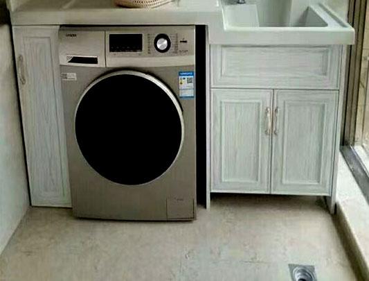 家里装修卫生间全铝浴室柜大概多少钱?